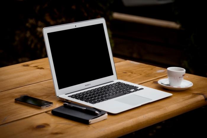 396-apple-coffee-computer-desk