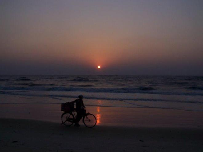 Sunset over the Indian Ocean. Malpe Beach. Photo by: Sharadha NV